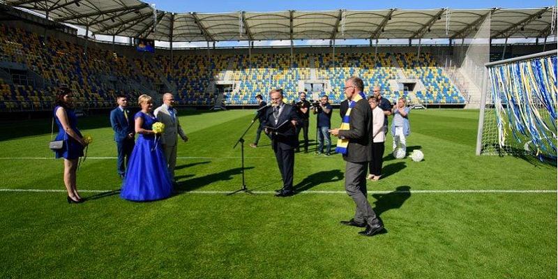 ślub na stadionie