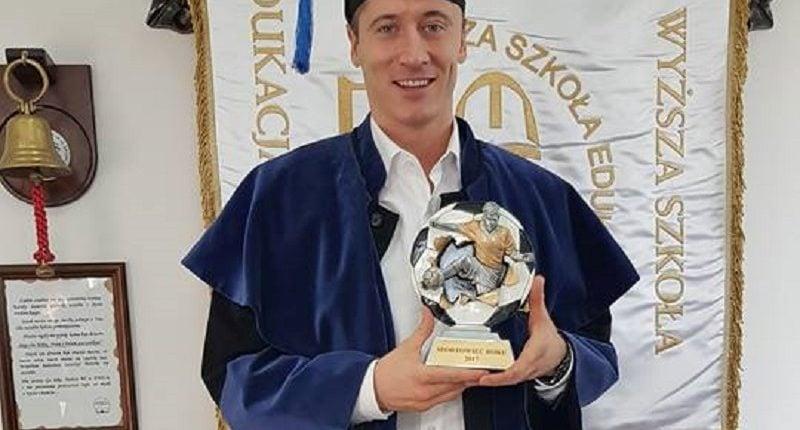 Niemieckie media żartują z licencjatu Roberta Lewandowskiego, a piłkarz myśli o magisterce!