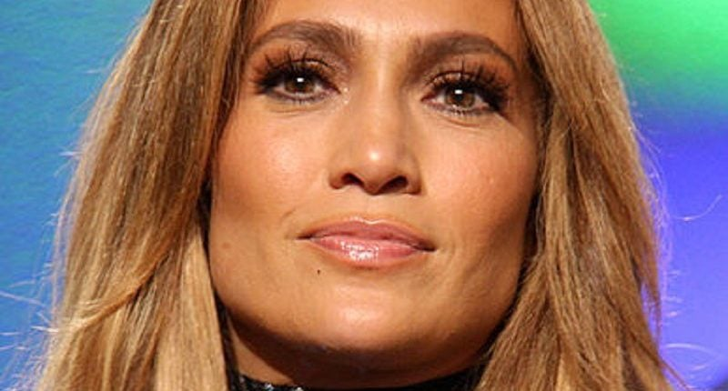 Jennifer Lopez stworzyła kolekcję kosmetyków dla polskiej marki