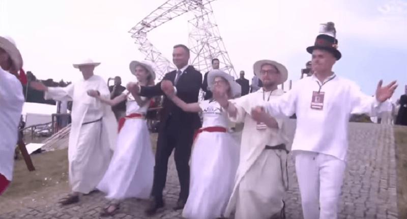 """Prezydent tańczy na Lednicy! Beata Tadla komentuje """"Duda Dance""""!"""