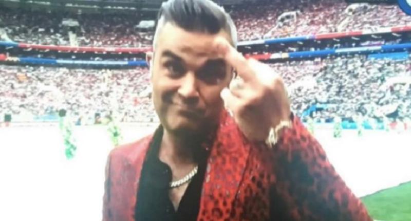 Szokujący gest Robbie Williamsa podczas otwarcia mundialu