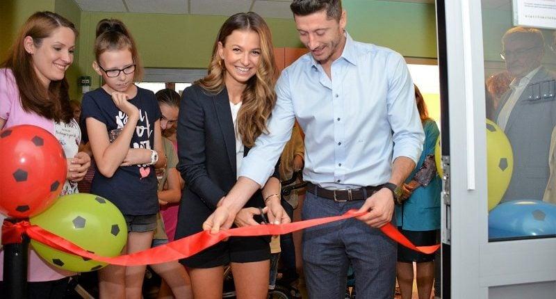 Ania i Robert Lewandowscy otworzyli oddział w Centrum Zdrowia Dziecka!